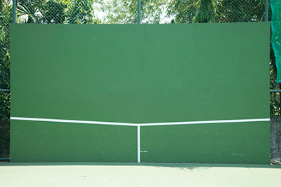 Your perfect tennis hitting partner? A wall
