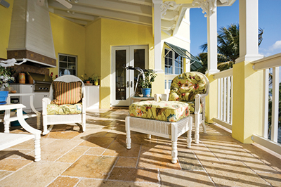 Sell your home in the summertime with these hot tips